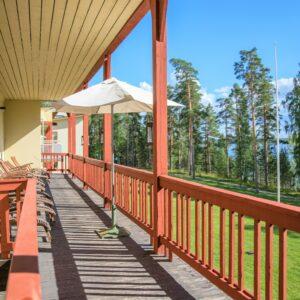 Kruunupuisto balcony view